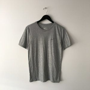 Nike Raindrop Tee Shirt Active Work Out Gym Small